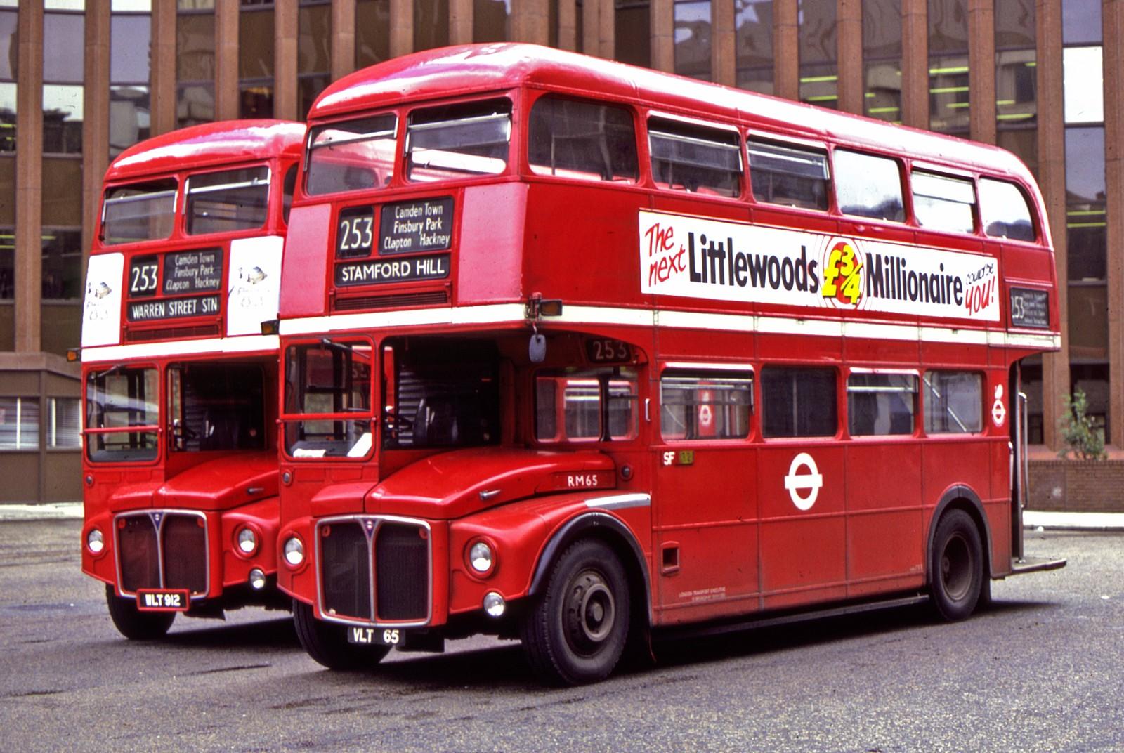伦敦巴士要抛弃红色?哈哈哈让你们英媒标题党!