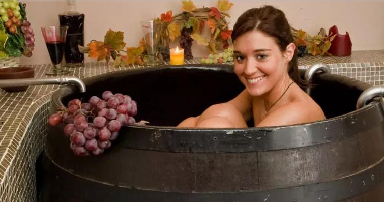 意大利兴起抗衰老红酒浴! 酒店和家都能泡!