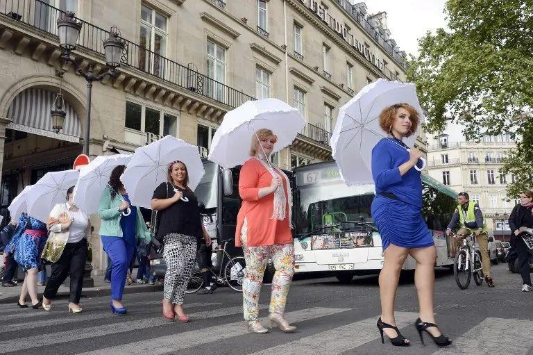 #巩俐身材#被嘲上热搜!巴黎街头也有body shaming吗?