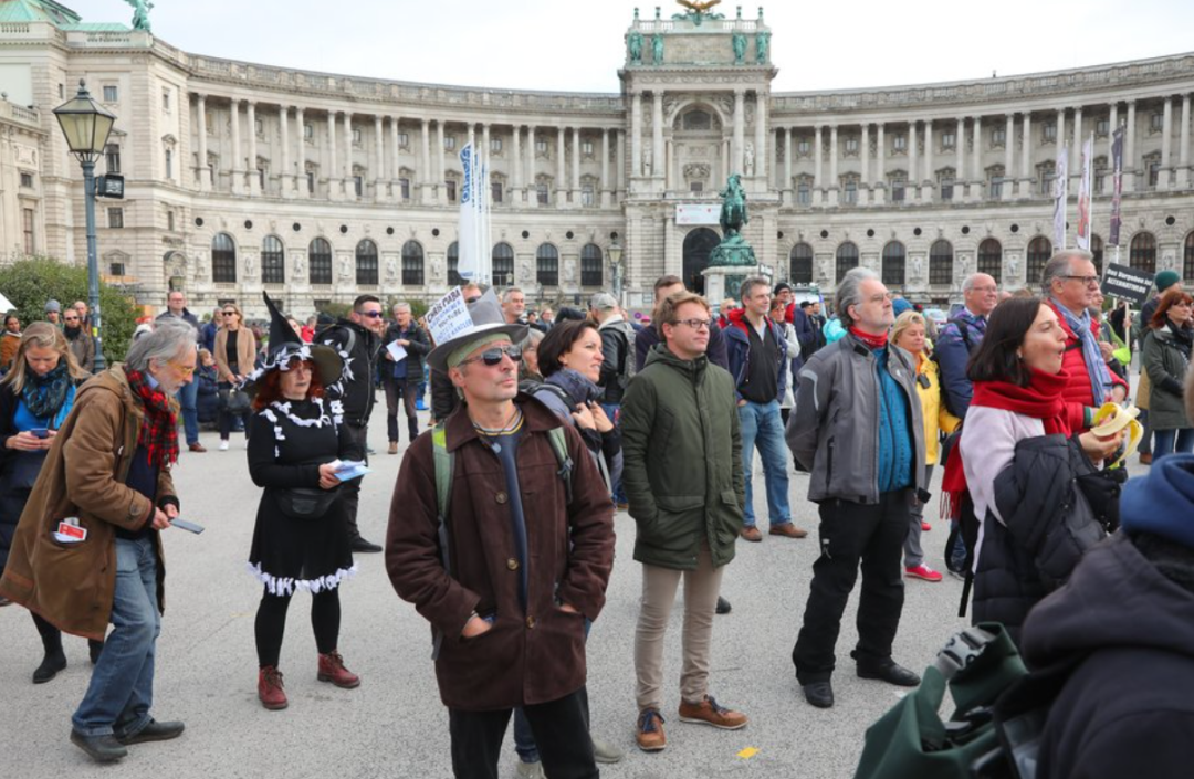 官宣:奥地利确诊破10万!11月全国大封锁新规出炉,爆发大游行抗议!华人回国路更艰!