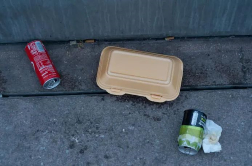 """巴黎将全面禁用一次性塑料餐盒!欧盟最严""""限塑令""""上路,这些塑料用品被淘汰"""