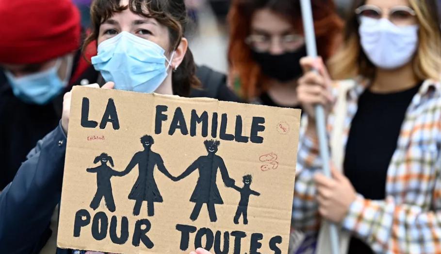 """法国女性将能免费自行""""造娃""""! """"无父生育""""时代到来了?"""