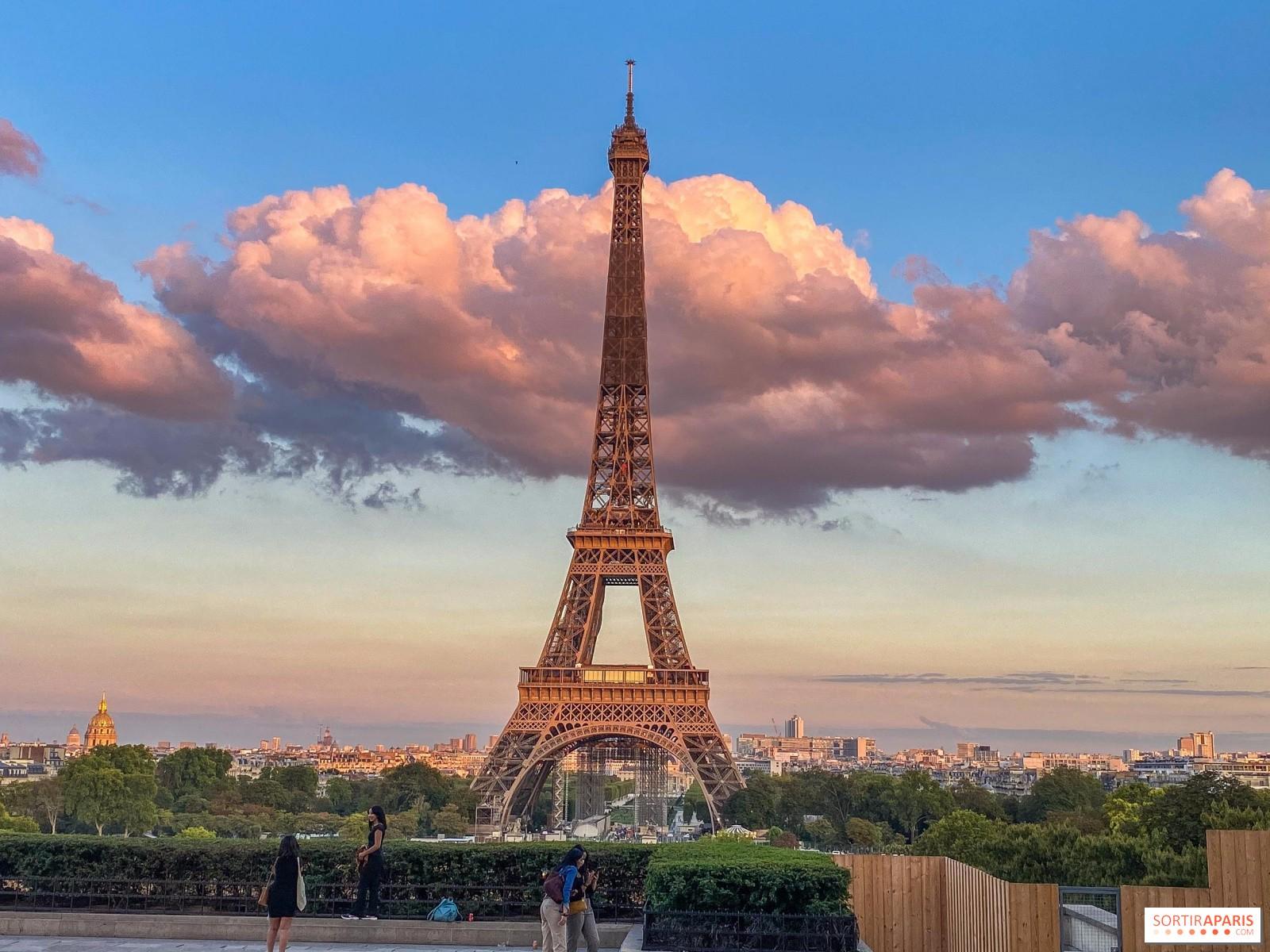 埃菲尔铁塔重新开放