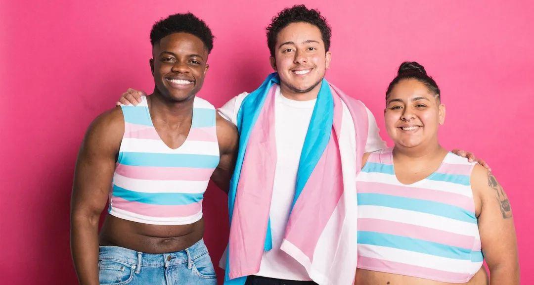 法国男生穿裙子上学,遭指责后自杀身亡!包容「跨性别者」,就应允许其任选厕所?